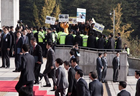 박근혜 대통령은 '왜' 유가족들을 외면했을까?