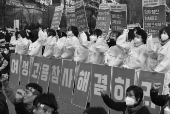 """반복된 여성 고용충격…""""고용률 증가해도 불안정 일자리多"""""""
