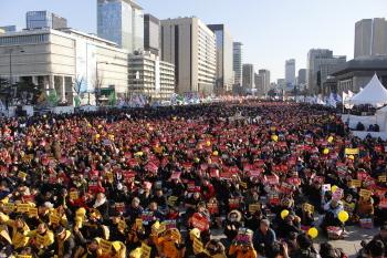 """민중총궐기 30만, """"간판만 바꾼 정권교체 필요 없다"""""""