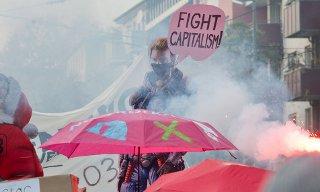 """유럽중앙은행에서 3천명 시위...""""자본주의는 위기 그 자체"""""""