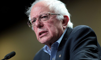 """민주적 사회주의자 버니 샌더스, """"우리의 정치 혁명은 계속"""""""
