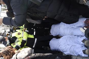 문재인 정부, 파인텍 노동자 오체투지까지 탄압