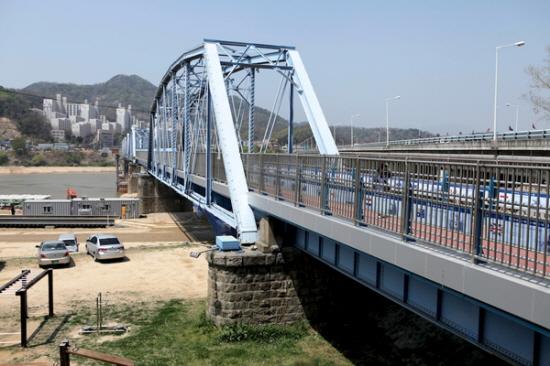 4대강 사업의 재앙 시작...왜관철교·상주보 붕괴