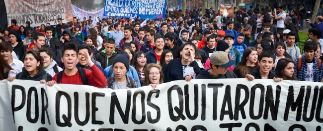 무상교육 투쟁 벌였던 칠레 지역선거, 보수정부 패배