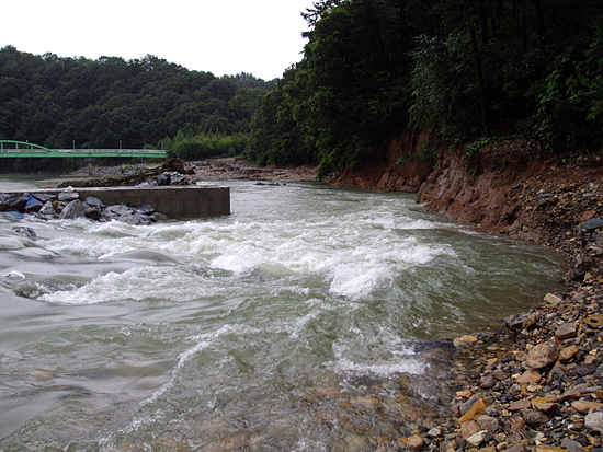 4대강 공사, 대전 유등천 침산보 제방 붕괴