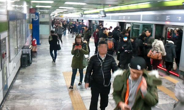'암흑의 구간', 죽음의 선로를 달리는 도시철도 기관사